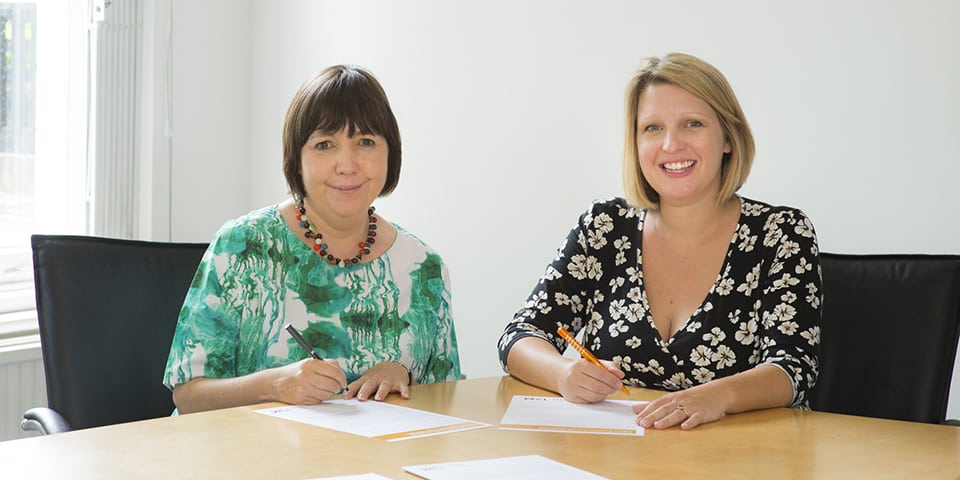 Chief Executive of the ISM, Deborah Annetts, and Assistant General Secretary of the MU, Naomi Pohl, signing the new joint Code of Practice