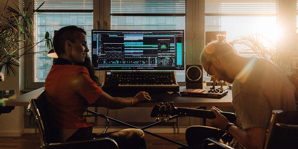 Cubase 10 with musicians