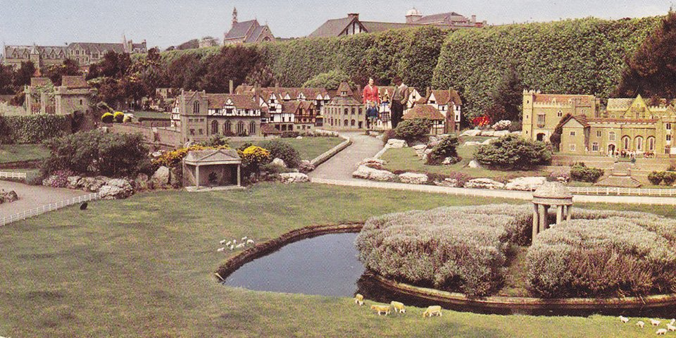 Hastings Model Village © Phil Sellens