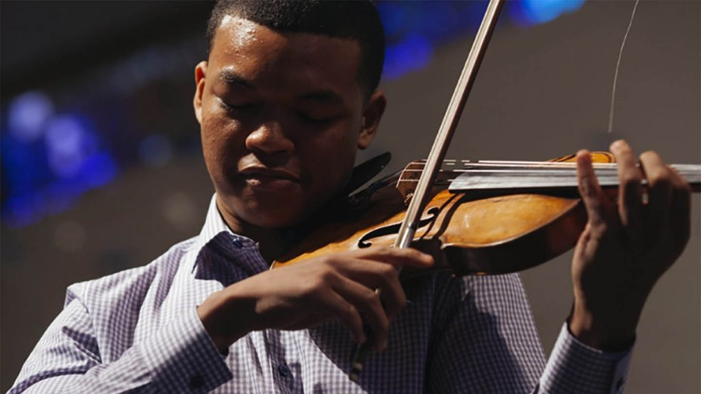 LMM and YCAT's first Robey Artist – American violinist, Randall Goosby