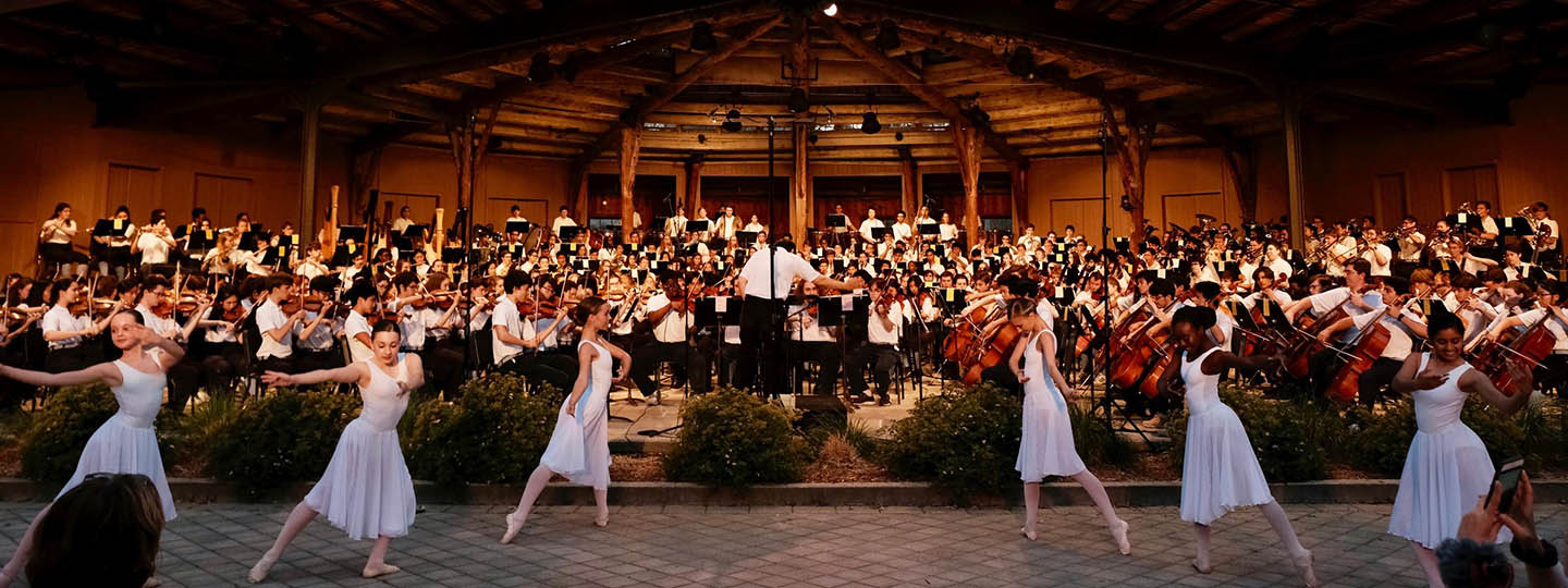 Students perform at the 2019 Les preludes concert in the Interlochen bowl © Interlochen Center for the Arts